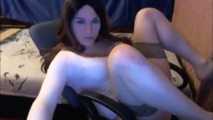 Lonely girl spreads her legs in the bedroom until she squeals from pleasure until he cums in her ass